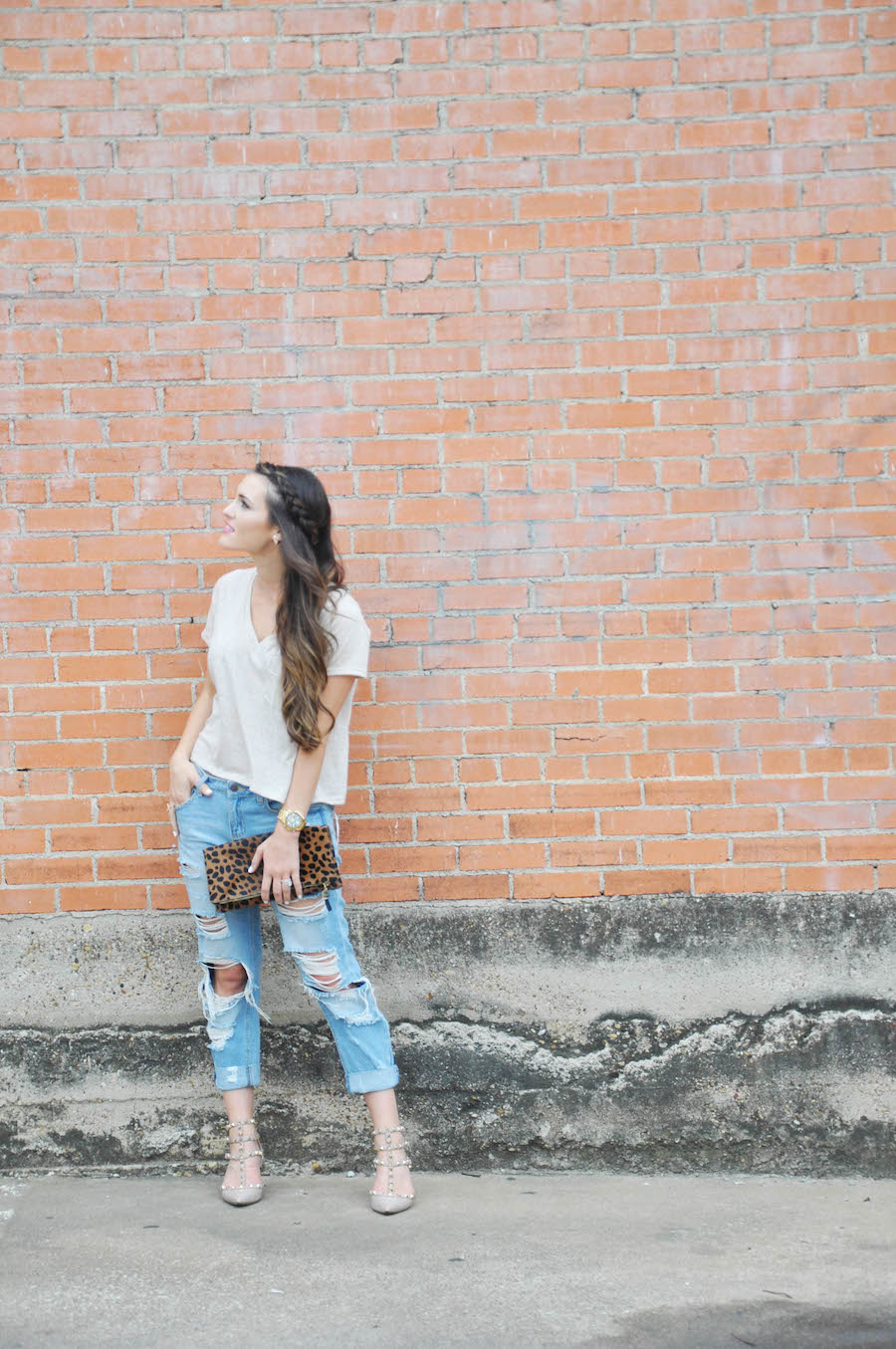 tee distressed denim