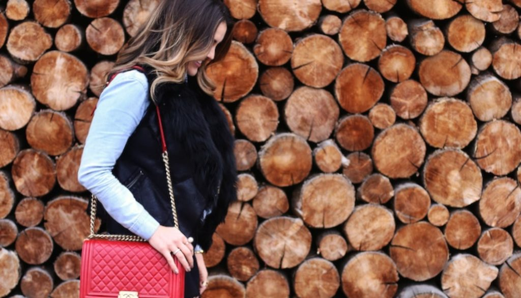 wood wall_mountain town fresh_sbk_1