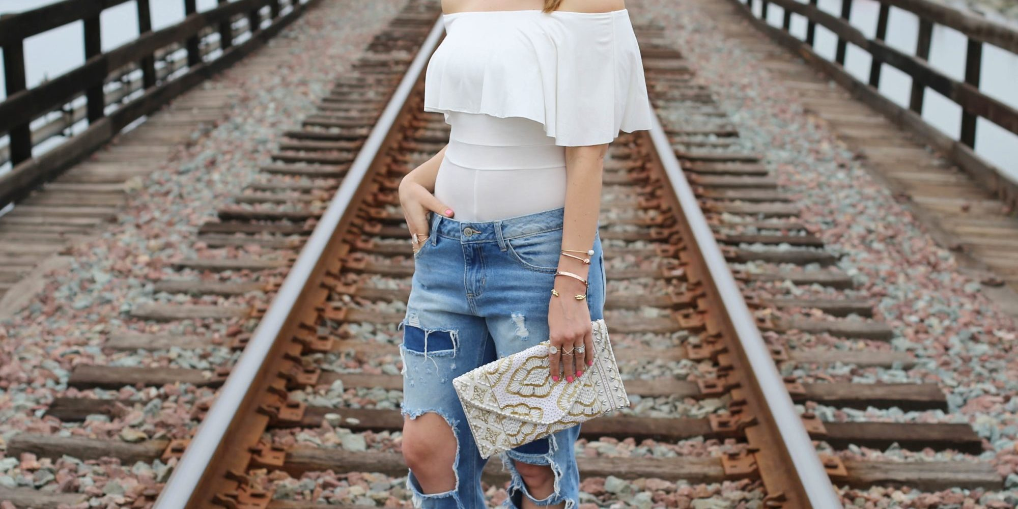 on the tracks_off the shoulder
