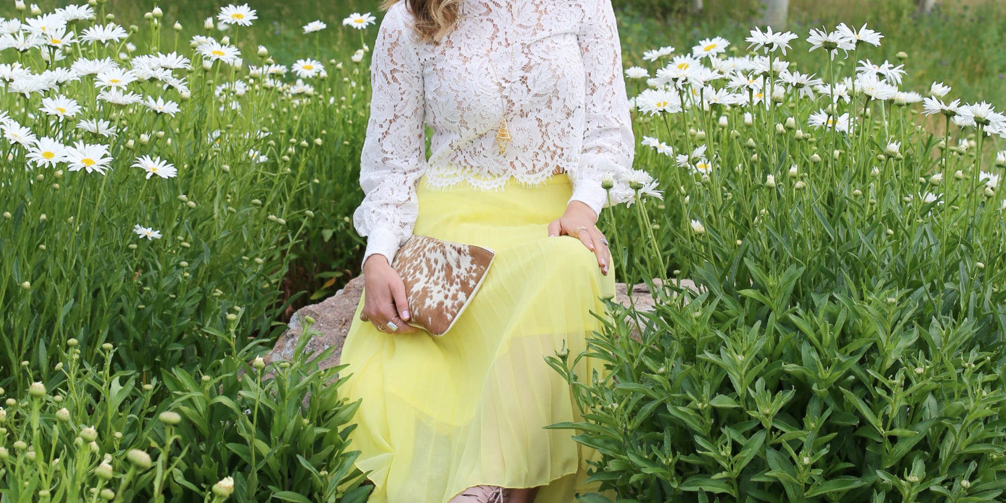 sv_daisies_yellow and lace styled by kasey