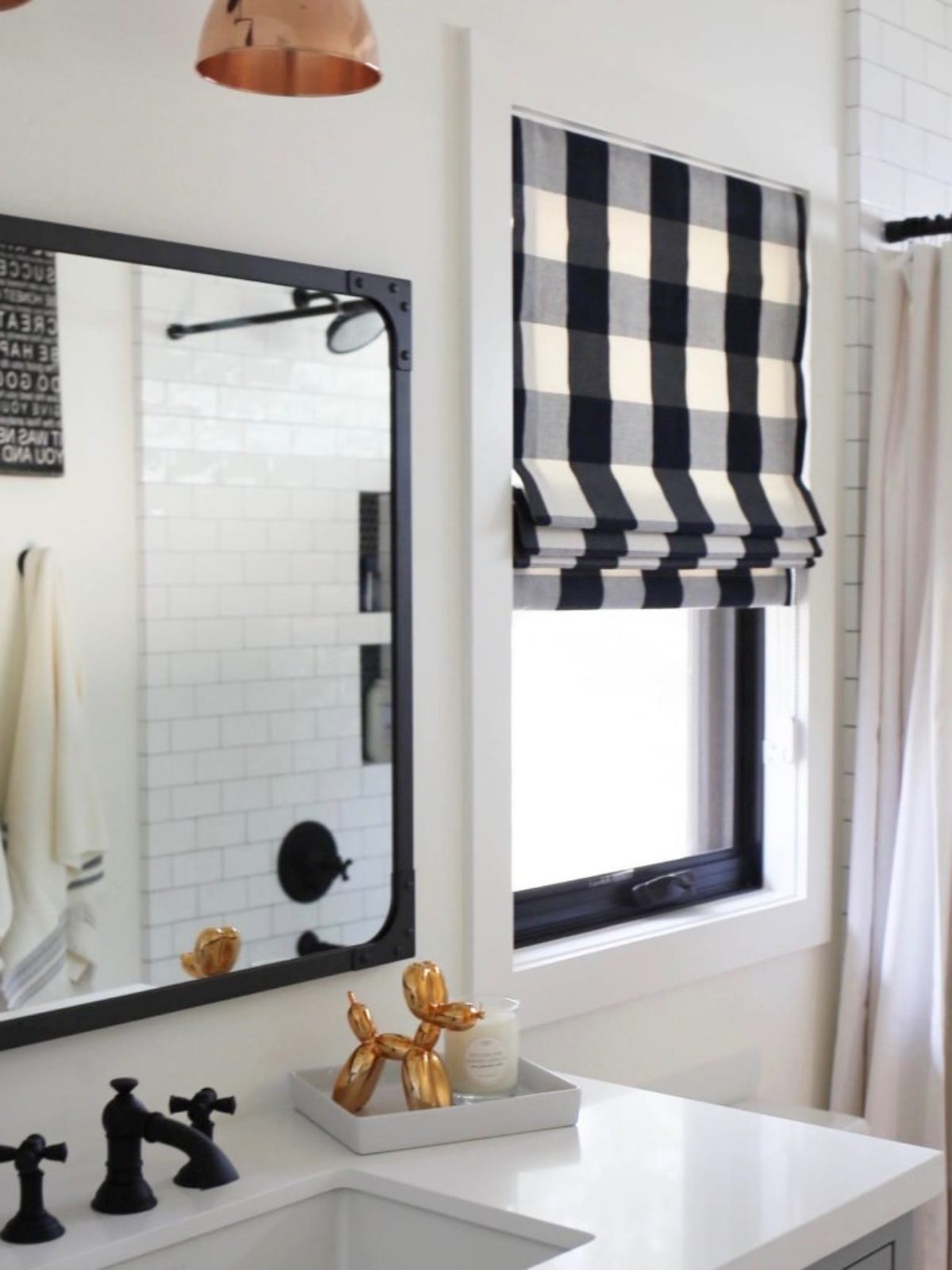 black and white farmhouse bathroom_sbk living_16