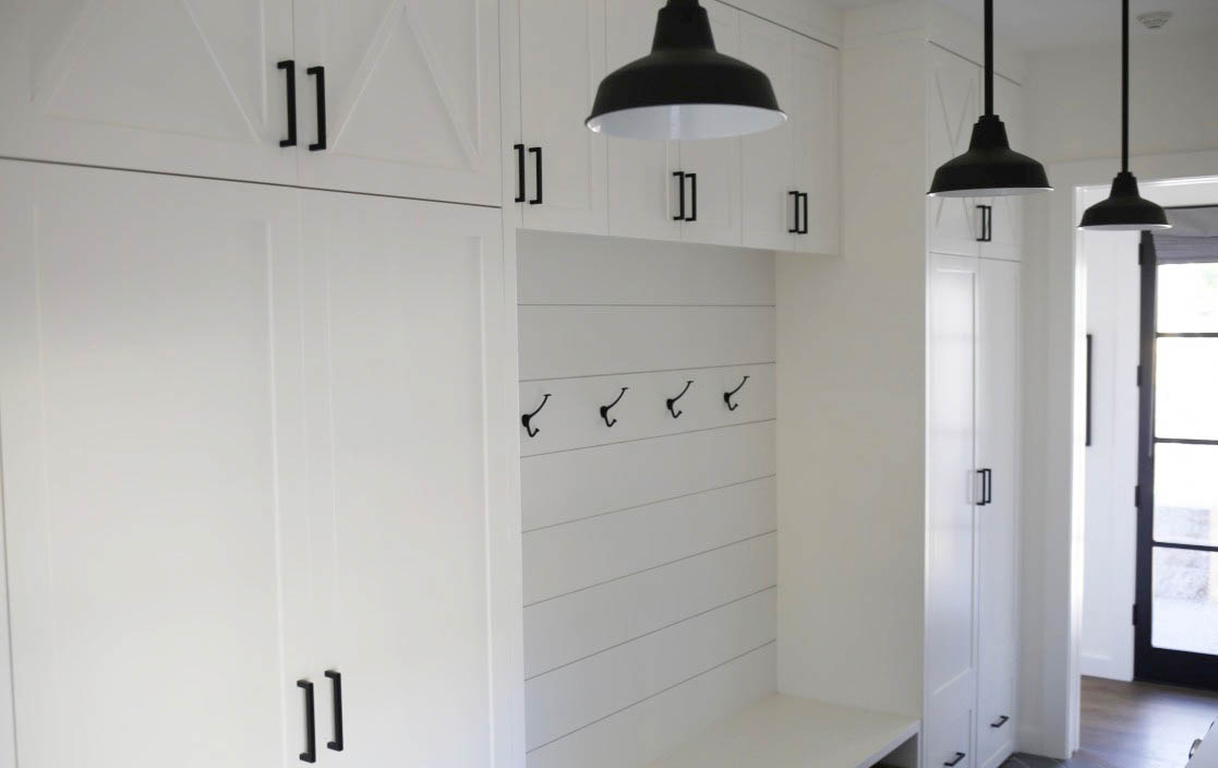 farmhouse mudroom