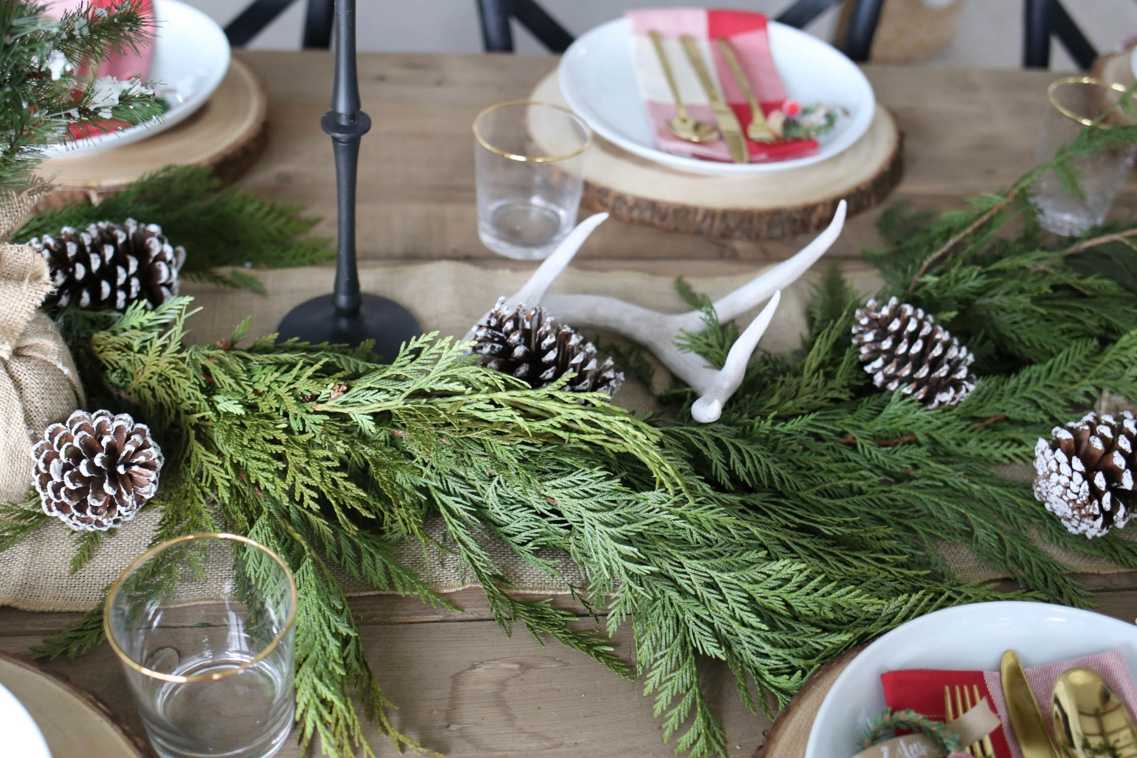 farmhouse christmas table