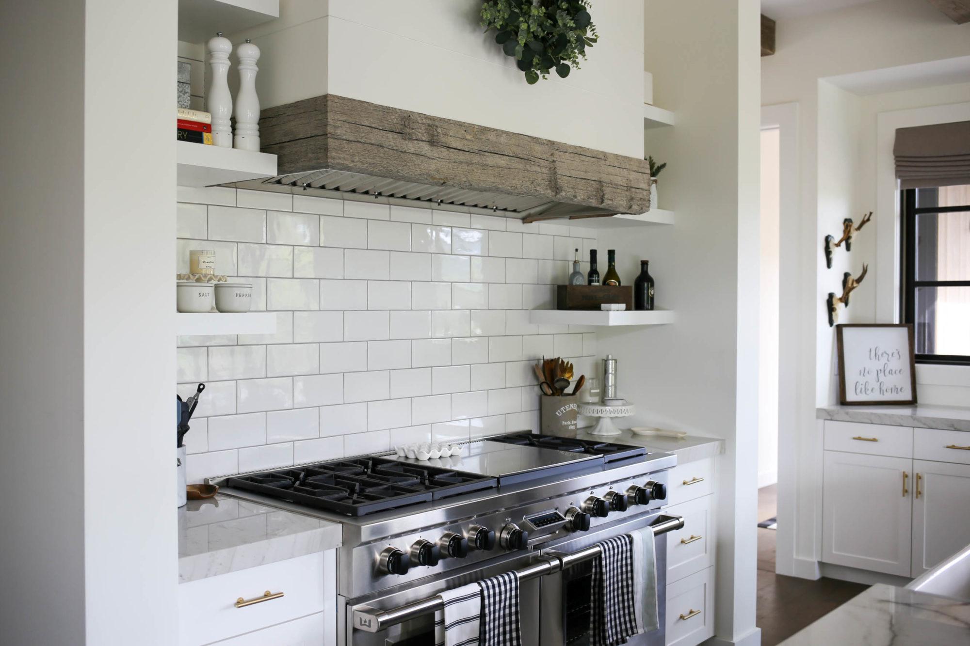 farmhouse kitchen deocr