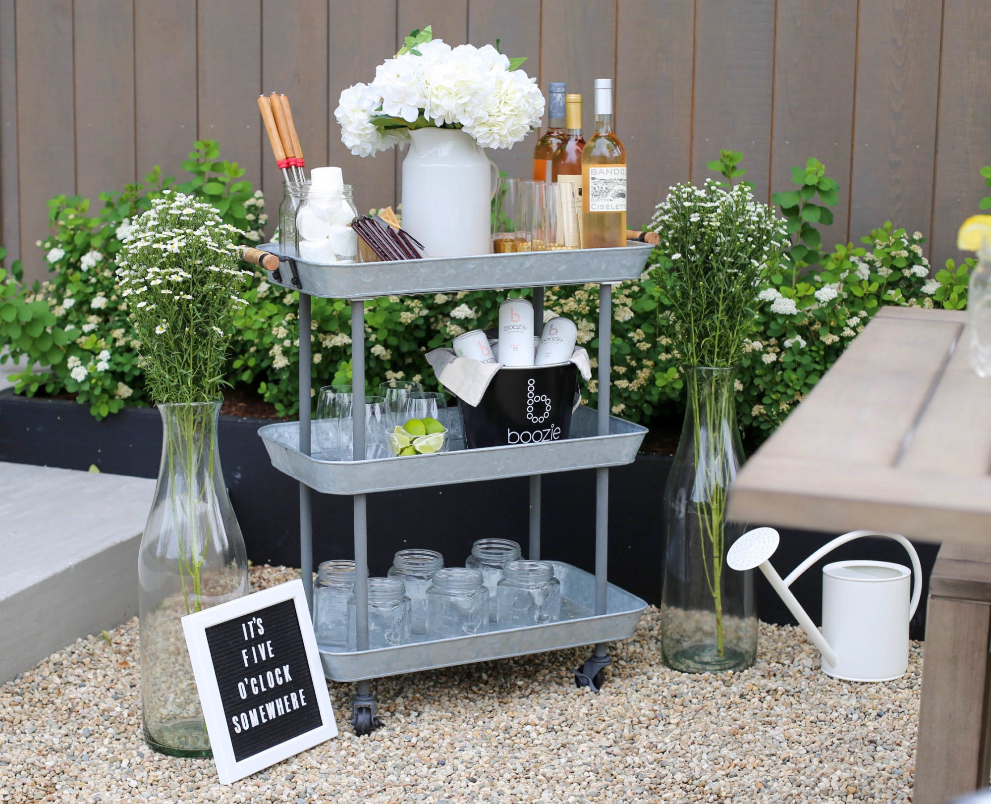 outdoor barcart