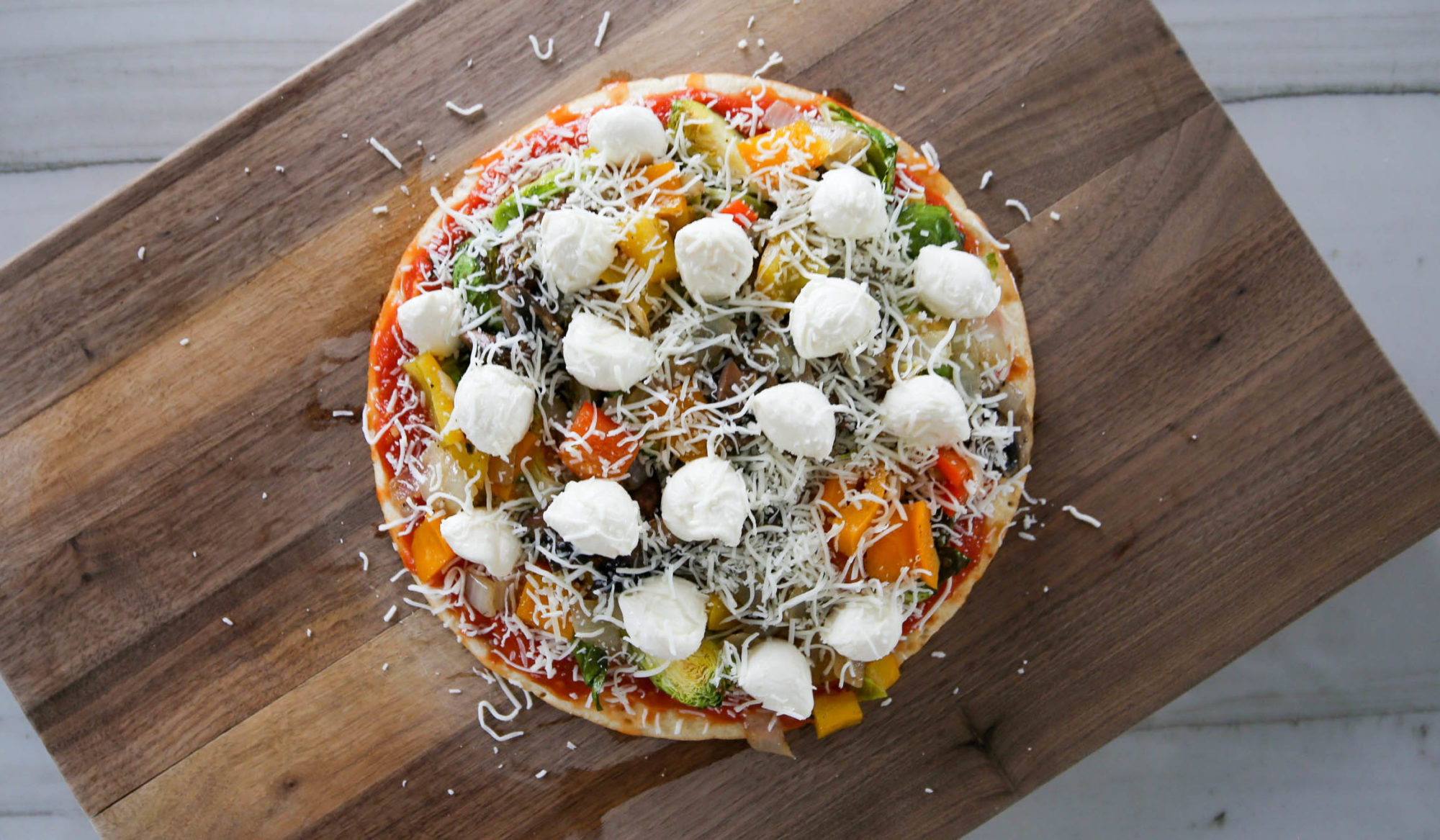 veggie cauliflower crust pizza