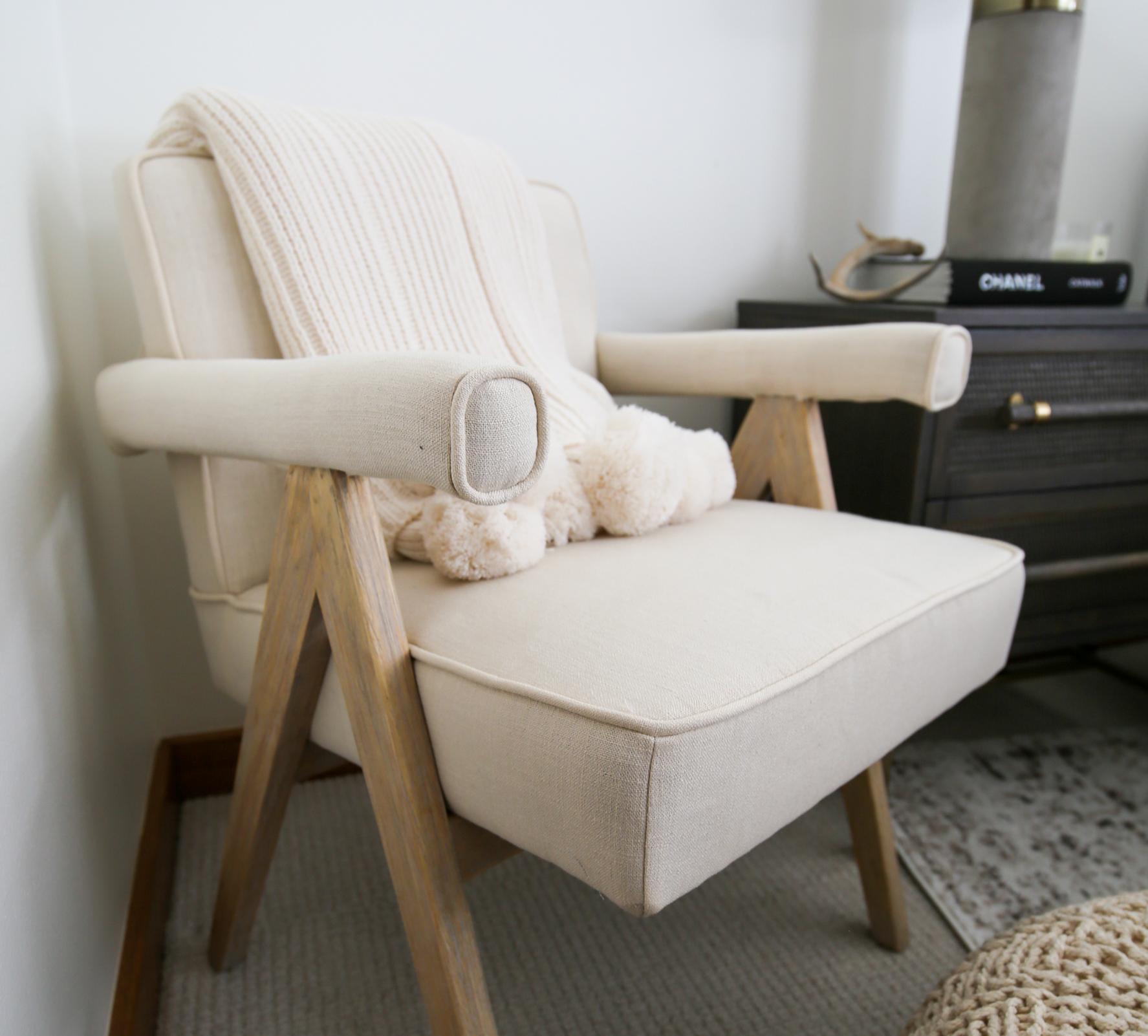 bedroom accent furniture