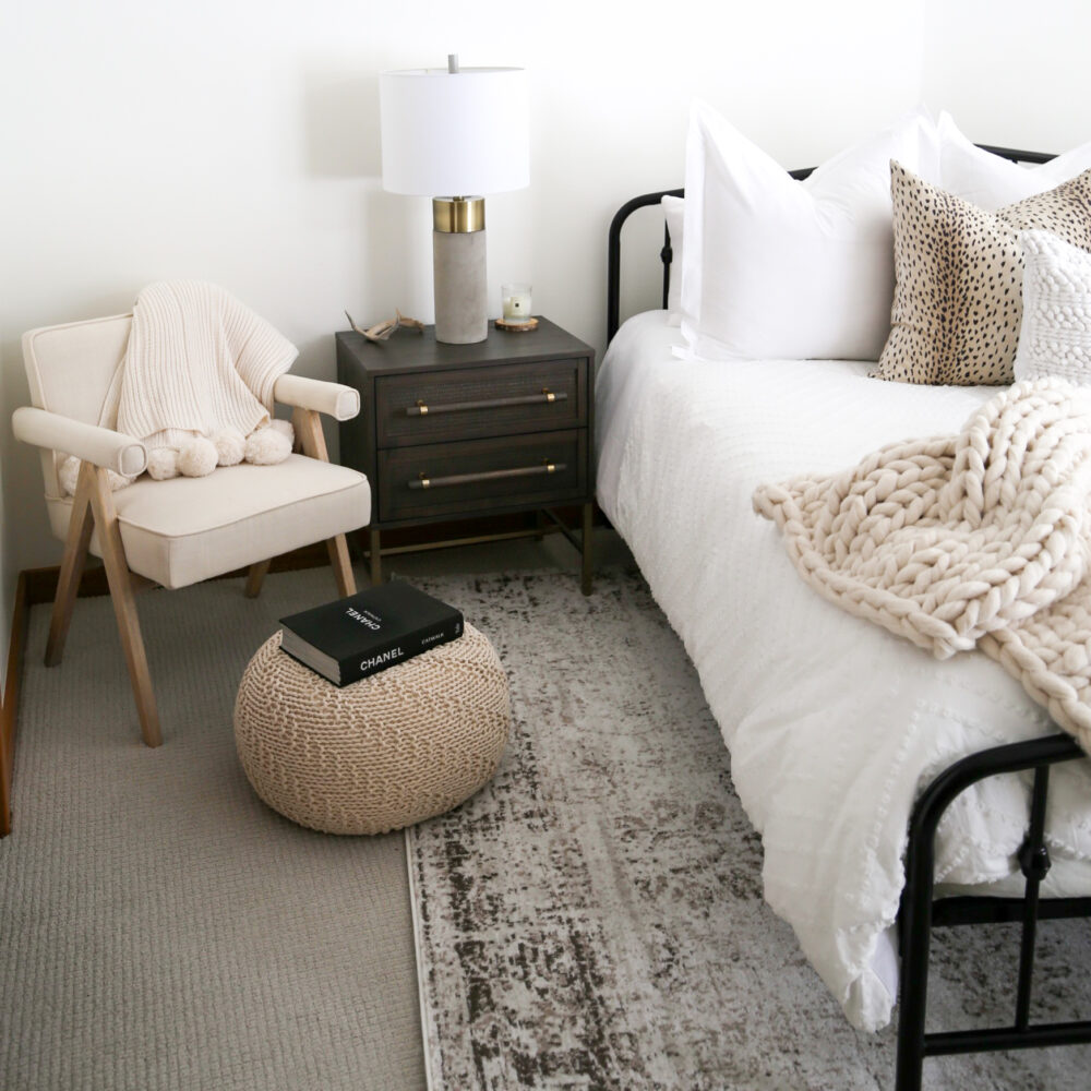 bedroom accent furniture