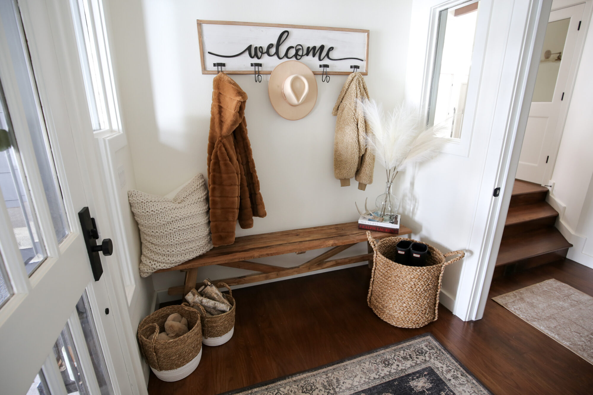 entryway styling bench & console table_sbkliving_28.jpg entryway styling bench & console table_sbkliving_25.jpg
