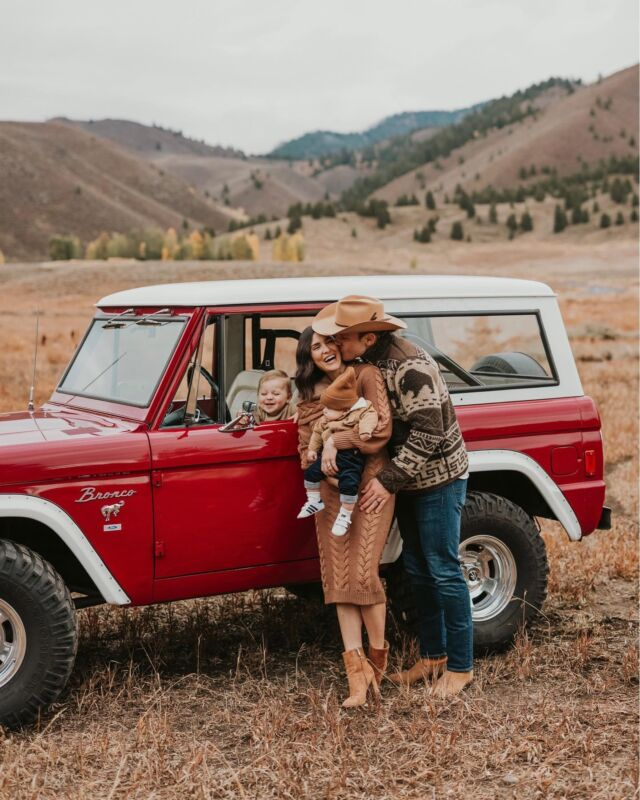F A M \ First photo sesh as a fam of 4 during my fave time of year 🍂 Just received a preview last night and LOVE them🤍 Ford nailed it in the bronco🚗 Swipe right - I ZOOMED in on his face… he's legit laughing at himself in the mirror🤣🤣 Thanks to @amandacheriephoto for capturing us!!❤️  #family #babyboy #boymama #familyphotos #liketkit #LTKfamily #LTKbaby #LTKSeasonal #fordbronco @shop.ltk http://liketk.it/3poXV